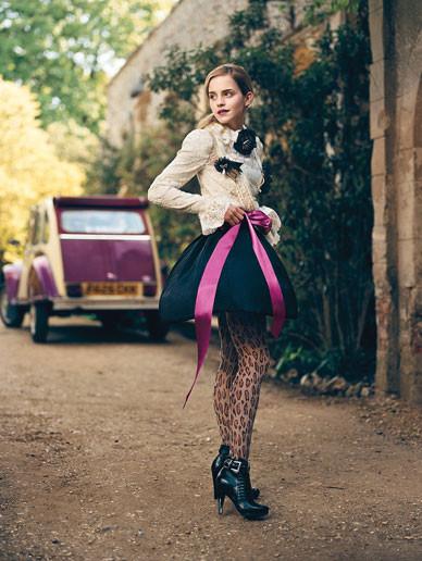 Emma Watson дляTeen Vogue August 2009. Изображение № 3.