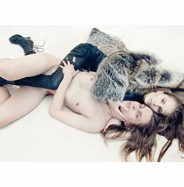 Съемка Vogue Italia, ноябрь 2010, фотограф Стивен Майзел. Изображение № 35.