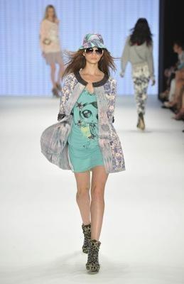 Изображение 10. Custo Barcelona - коллекция весна-лето 2011.. Изображение № 9.