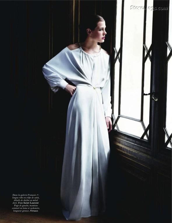 Для обложки сентябрьского номера французского Vogue снялась Шарлотта Казираги. Изображение № 16.