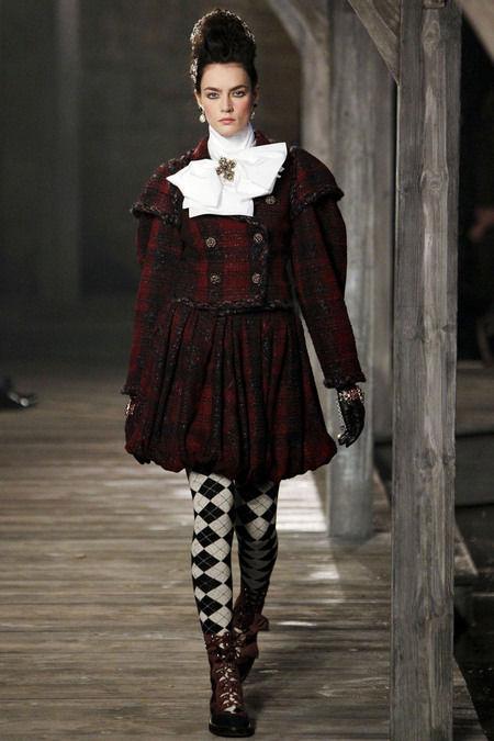 В Шотландии прошел предосенний показ Chanel. Изображение № 9.