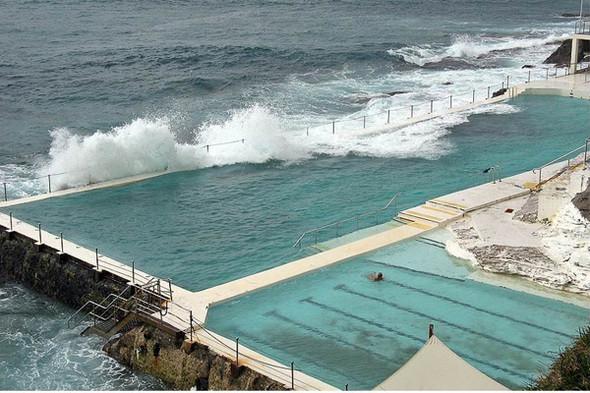 Изображение 7. 10 самых необычных бассейнов мира.. Изображение № 1.