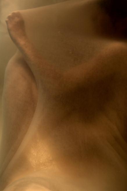 Тонкие материи в фотографии Томека Янковски. Изображение № 1.