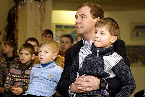 Медведев – техногик. Изображение № 4.