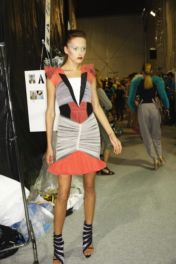 Viktor&Rolf ss2010! Brilliant backstage!. Изображение № 16.