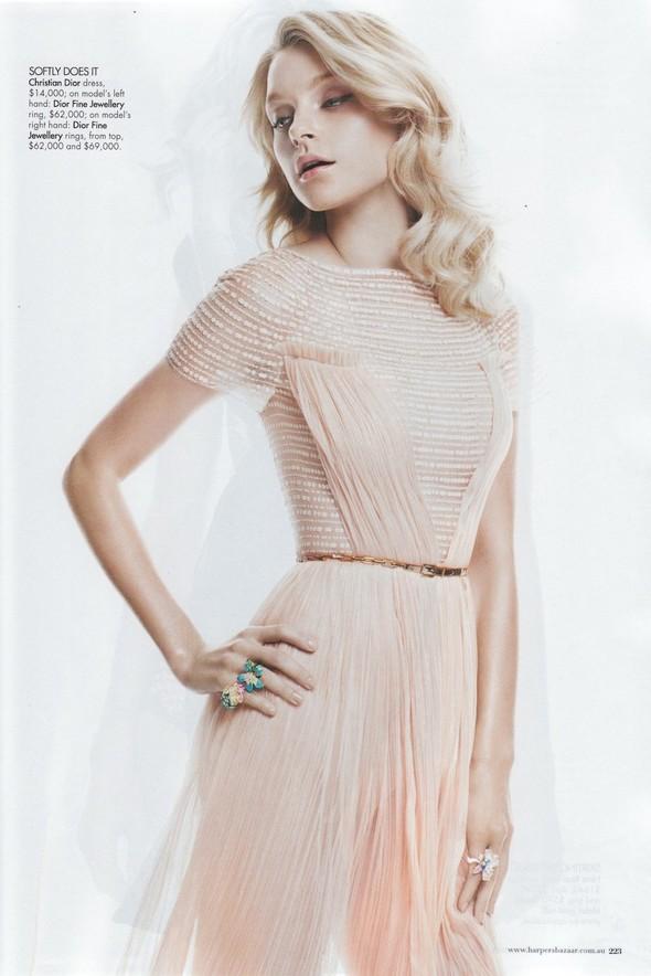 Съёмка: Джессика Стэм для Harper's Bazaar. Изображение № 6.