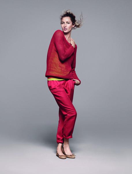 Жизель Бундхен представила новую коллекцию марки Esprit. Изображение № 5.