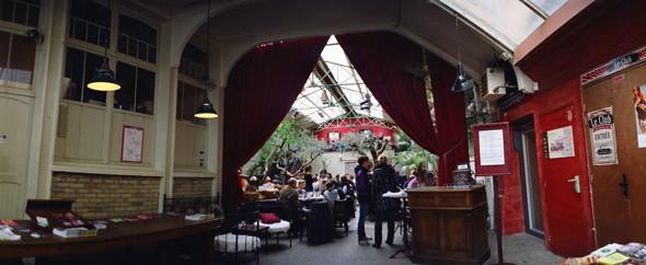 Изображение 4. Парижские кафе.. Изображение № 6.