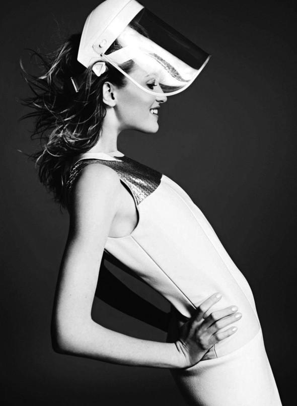 Съёмка: Влада Рослякова для Elle. Изображение № 7.