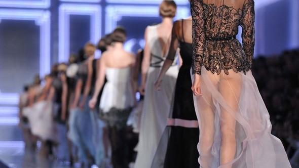 Финал показа Dior SS 2012 в Париже. Изображение № 21.