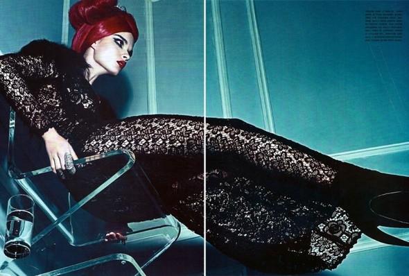 Съёмка: Стивен Кляйн для итальянского Vogue. Изображение № 6.