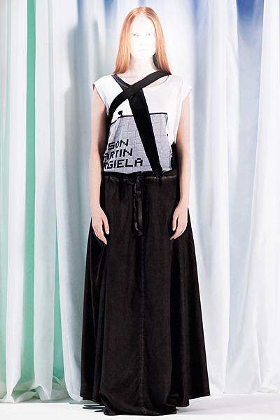 A.P.C., Chanel, MM6, Mother of Pearl, Paule Ka и Yang Li выпустили новые лукбуки. Изображение № 42.
