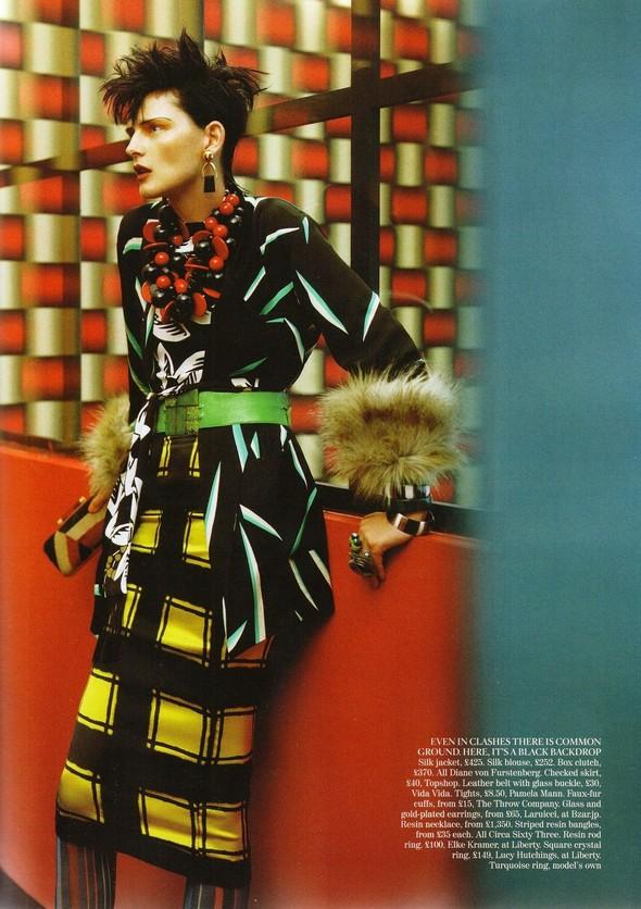 Съёмка: Стелла Теннант для британского Vogue. Изображение № 10.