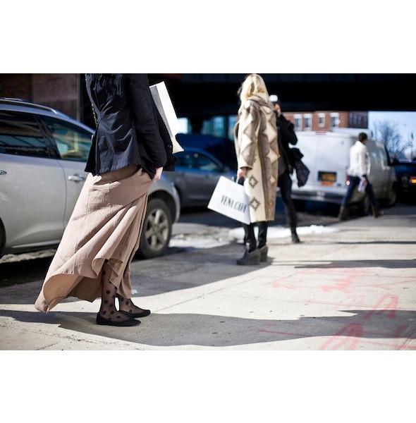 Изображение 161. На полях: 10 тенденций уличного стиля с прошедших недель моды.. Изображение № 161.