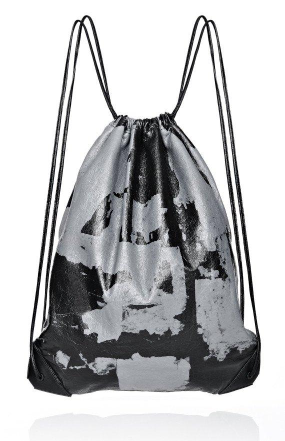 Александр Вэнг создал рюкзак с помощью краудсорсинга. Изображение № 1.