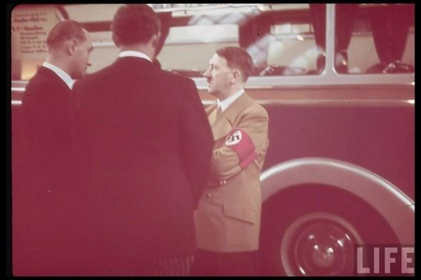 100 цветных фотографий третьего рейха. Изображение №49.