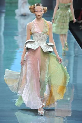 Футуристическая классика Dior. Изображение № 10.