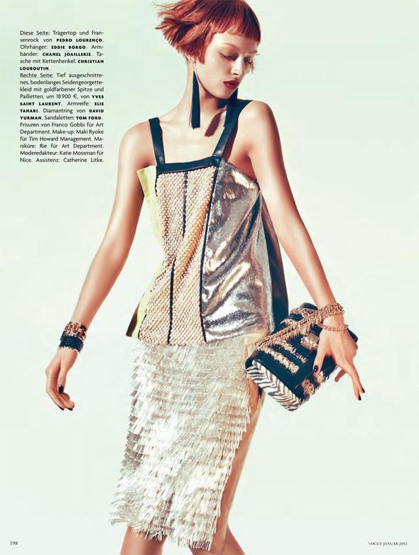 Съёмка: Дага Зёбер для Vogue. Изображение № 9.