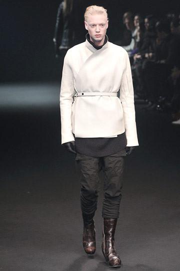 Неделя моды в Париже: мужские показы. Изображение № 44.