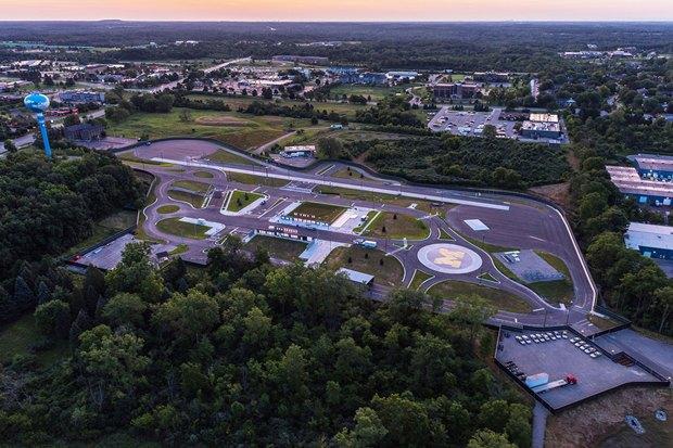 В Мичигане открыли «город» для тестов машин на автопилоте. Изображение № 1.