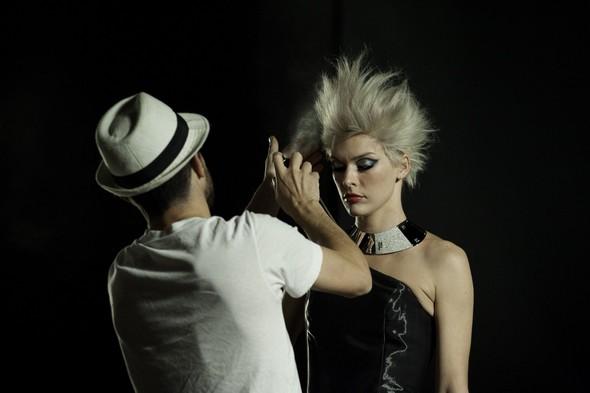 Мила Йовович в календаре Campari 2012. Изображение № 19.