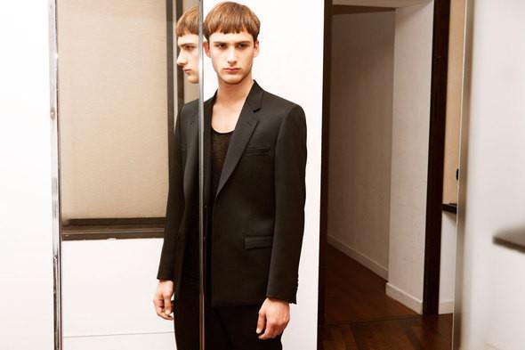 Versace создадут коллекцию совместно с H&M. Изображение № 2.
