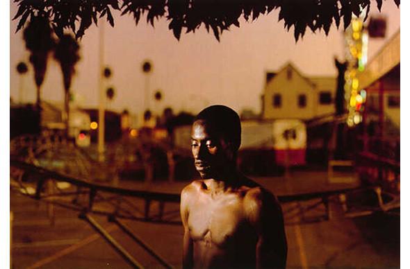 Still lives: застывшие люди на арт-фотографиях. Изображение № 20.