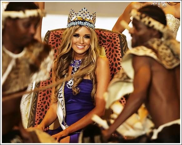 Самая красивая девушка живет в Гибралтаре. Изображение № 11.