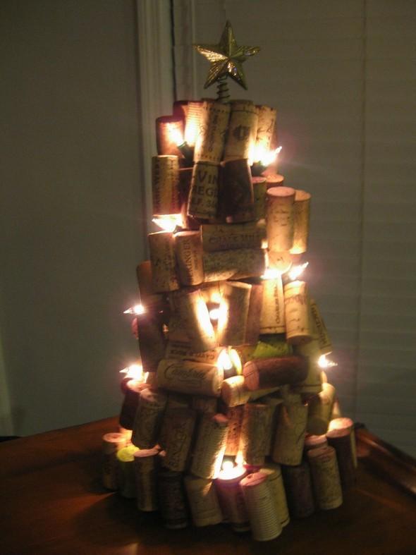 Новогодние украшения из винных пробок. Изображение № 8.