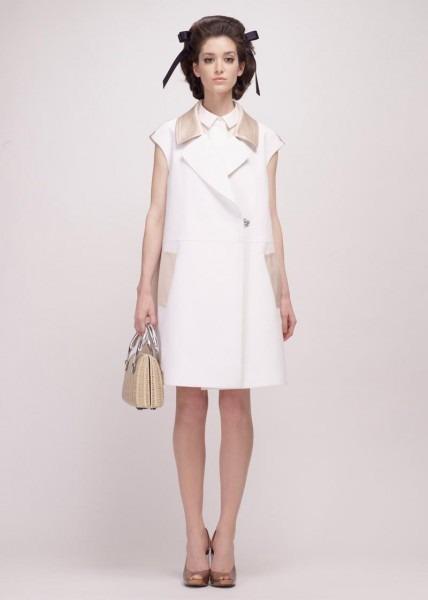 A.P.C., Chanel, MM6, Mother of Pearl, Paule Ka и Yang Li выпустили новые лукбуки. Изображение № 77.