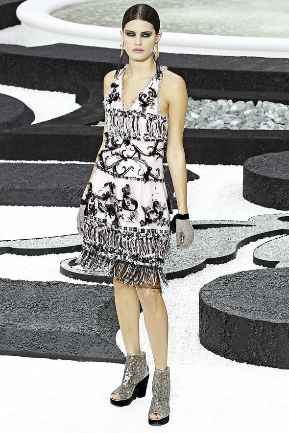 Карл Лагерфельд показал одну из самых красивых коллекций, когда-либо созданных для Chanel. Изображение № 54.