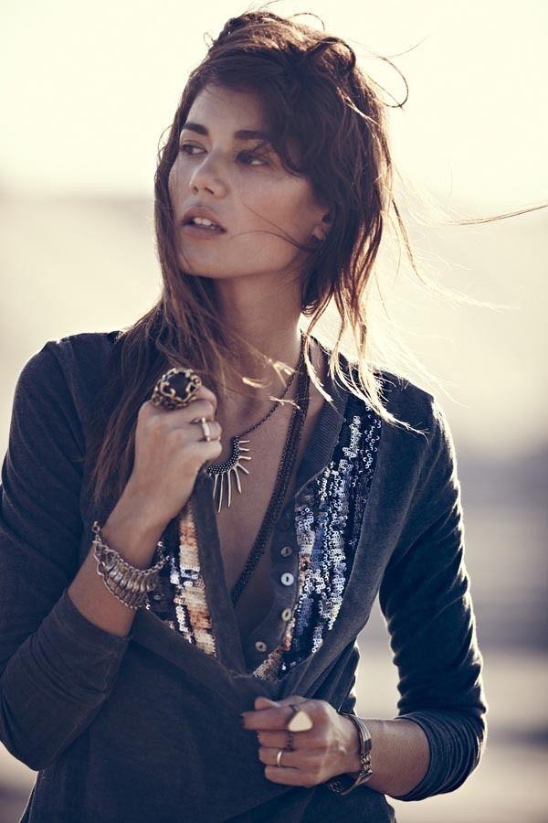 Вышли новые лукбуки Zara, Free People, Mango и других марок. Изображение № 14.