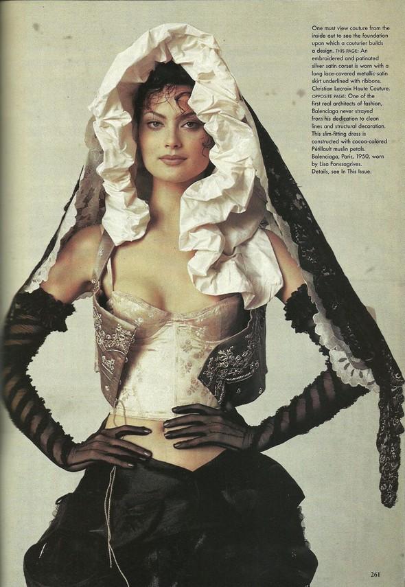 Архивная съёмка: Модели и дизайнеры в объективе Ирвинга Пенна для Vogue, 1995. Изображение № 13.
