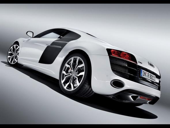 Audi R8 52 FSIquattro. Изображение № 3.