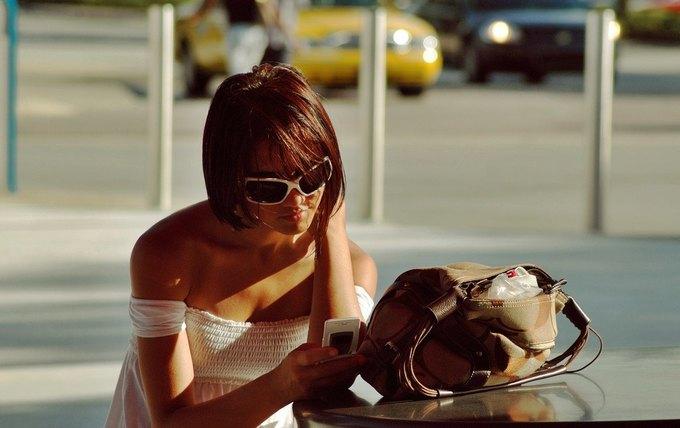 Француза осудили на 10 месяцев за 21 807 звонков и SMS бывшей девушке. Изображение № 1.