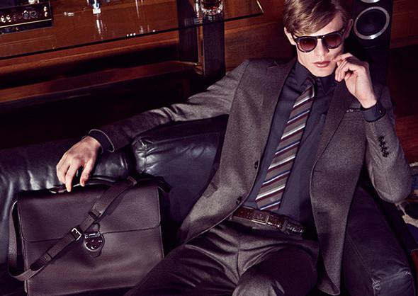 Кампании: Dior, Versace, Gucci и Burberry. Изображение № 31.