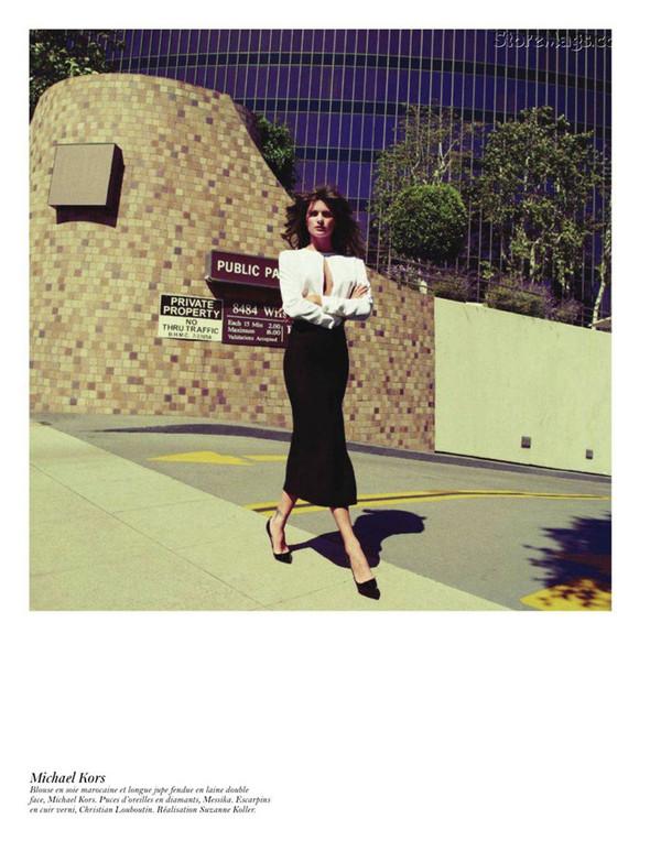 Съёмка: Аризона Мьюз, Лара Стоун, Наташа Поли и другие модели во французском Vogue. Изображение № 58.