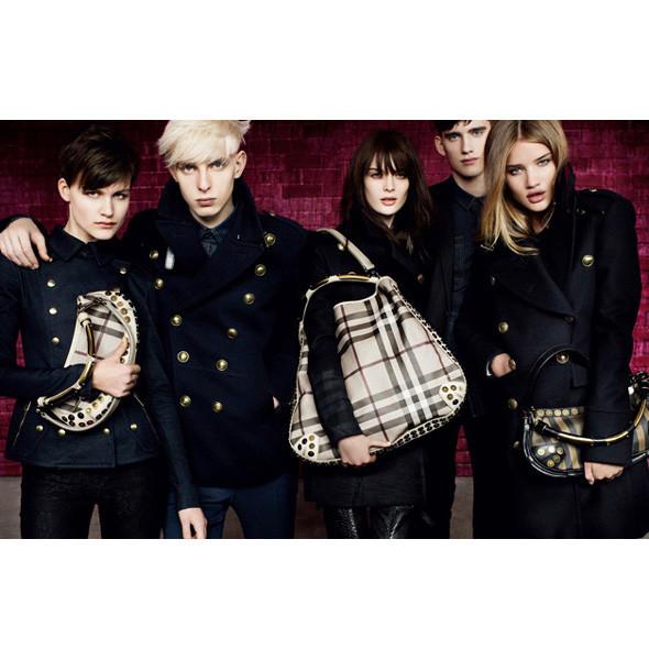 Рекламные кампании: Burberry, Louis Vuitton, Tom Ford. Изображение № 3.