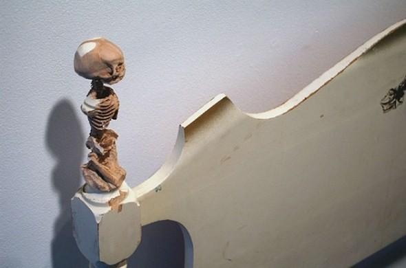 Анатомические скульптуры, вырезанные из самых обычных предметов. Изображение № 12.