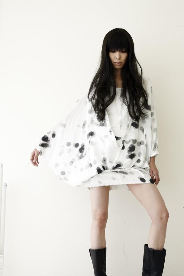 NUDE: MASAHIKO MARUYAMA SS2010. Изображение № 10.