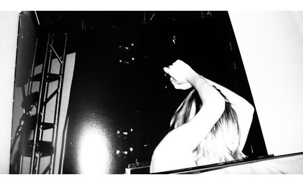 10 альбомов о современном Берлине: Бунт молодежи, панки и знаменитости. Изображение №146.