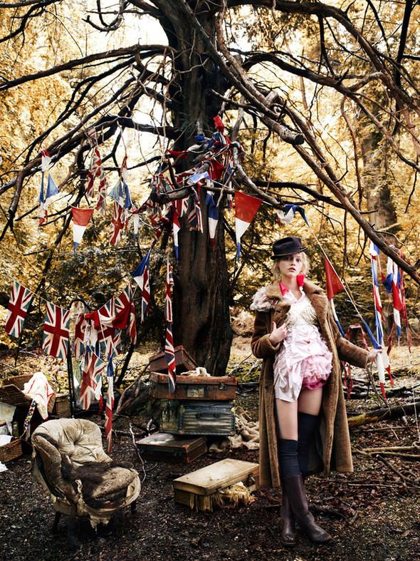Изображение 4. Саша Пивоварова проснулась в лесу.. Изображение № 5.