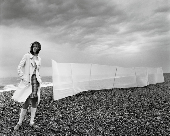 Архивная съёмка: Марио Тестино для Burberry SS 1999. Изображение № 4.