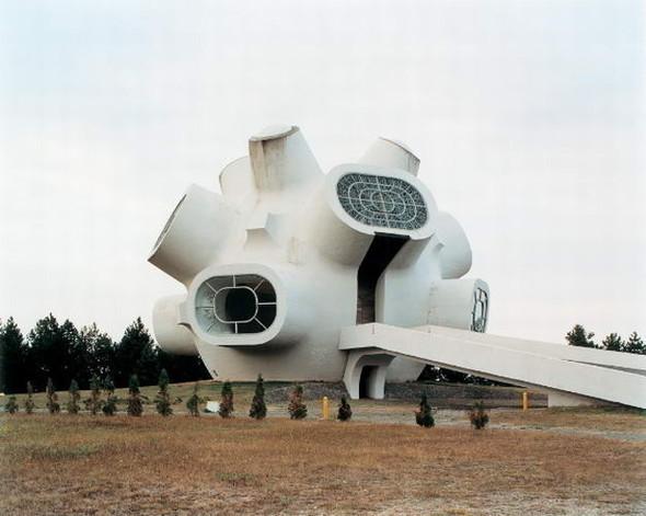 ЯнКемпенаэрс. Югославские споменики. Изображение № 5.