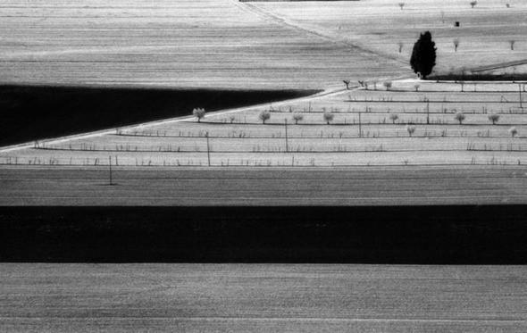 Изображение 1. Elio Ciol – черно-белый фотограф Ассизи.. Изображение № 1.