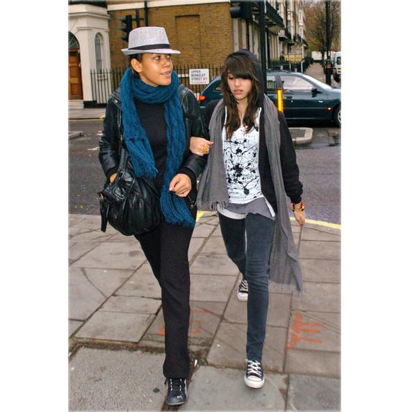 Мадонна создает одежду вместе с дочерью. Изображение № 2.