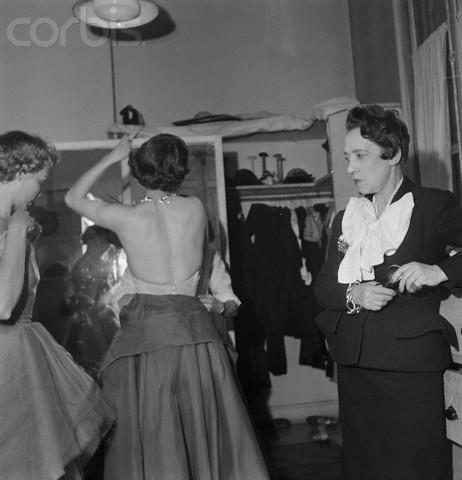 Эльза Скиапарелли. Сюрреализм вмоде 30-х годов. Изображение № 45.