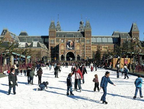 Зима в городе: где кататься на коньках в Европе и Америке. Изображение № 5.