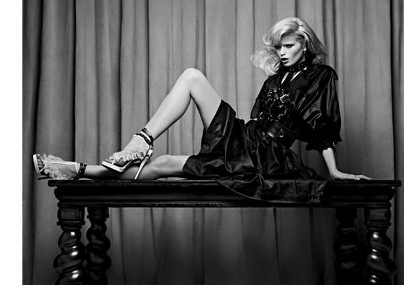 Изображение 8. Эбби Ли Киршоу для апрельского Vogue Russia.. Изображение № 8.