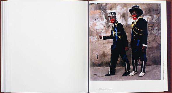 12 альбомов фотографий непривычной Африки. Изображение № 73.